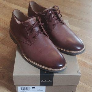 NWT Clarks Mahogany Leather 8.5M